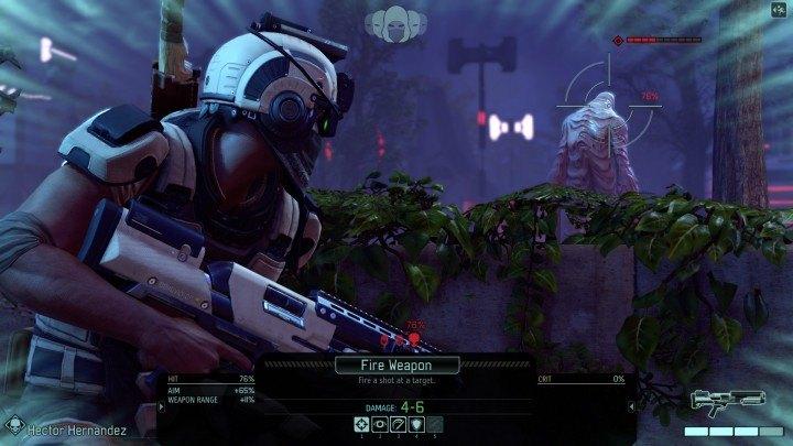 Un soldado de XCOM embosca a uno de los aliens de ADVENT