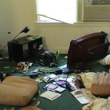 Apartamento destrozado - Beta-7