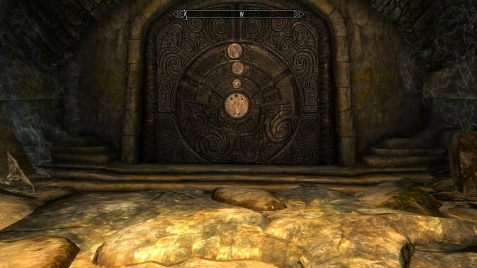 Puerta cerrada en un túmulo